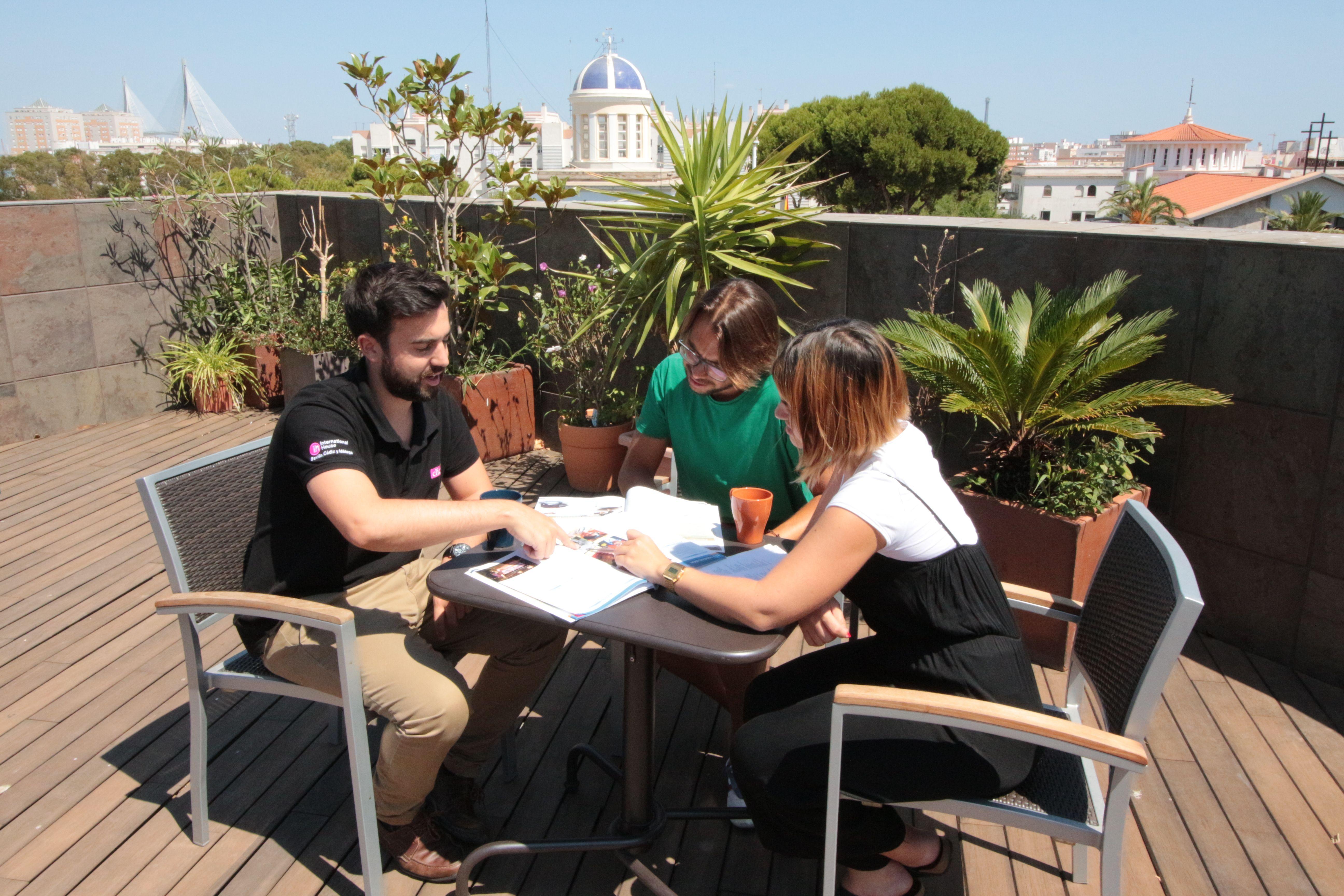CLIC International House Cádiz estrena local