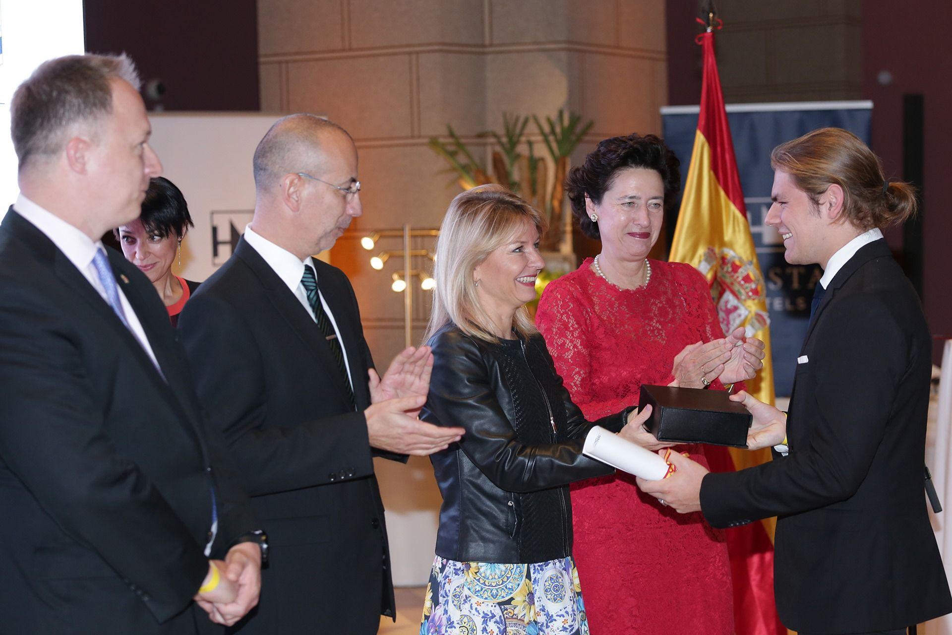Entregaron el Premio Embajada de España